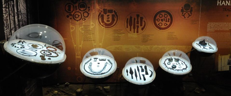 """Wystawa archeologiczna """"Najstarsze dzieje…"""" czeka na zwiedzających!"""